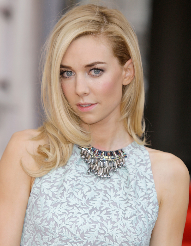 Vanessa Kirby Nude Photos 72