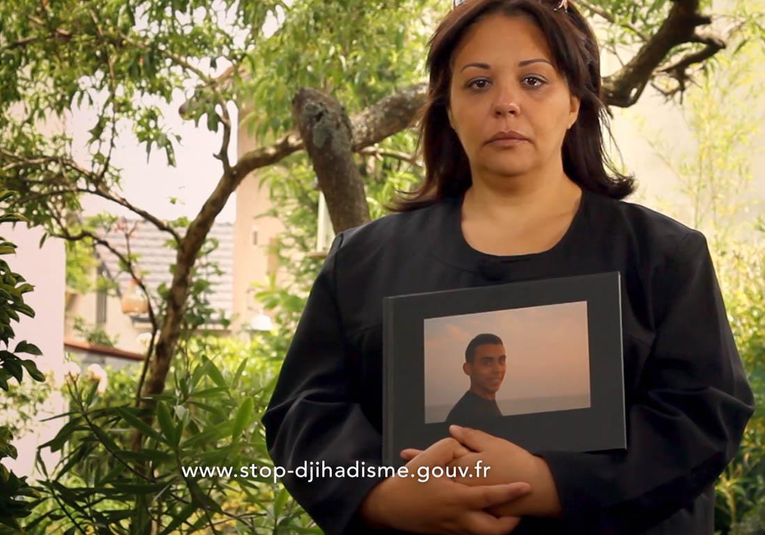 les familles de jeunes partis faire le djihad t moignent dans un clip bouleversant elle. Black Bedroom Furniture Sets. Home Design Ideas
