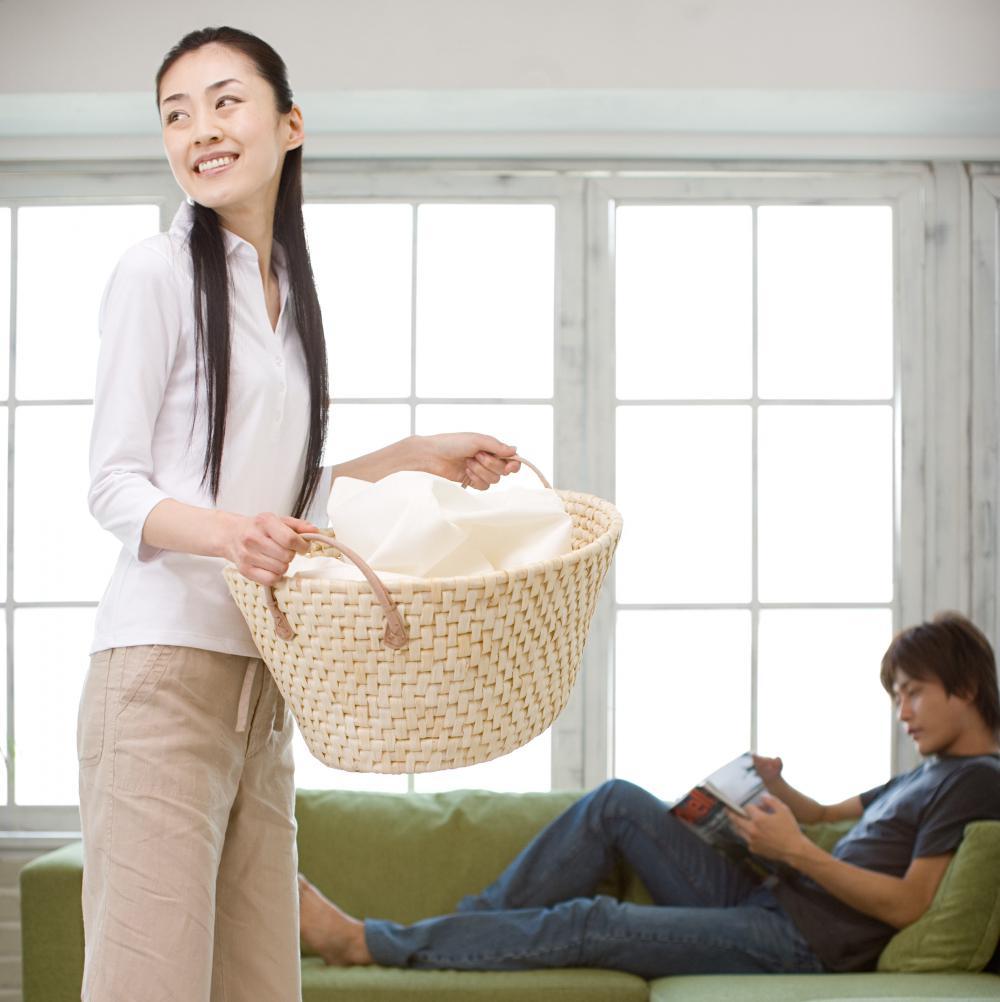 les japonaises se voient femme au foyer elle. Black Bedroom Furniture Sets. Home Design Ideas